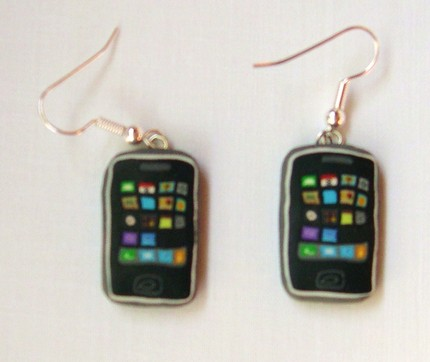 iphone-earring-02